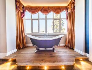 A bathroom at The Manor at Bickley