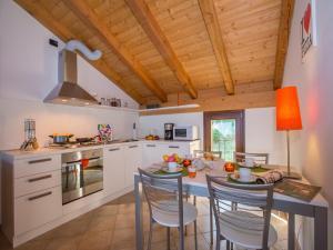 Cucina o angolo cottura di Borgo La Sorgente - Tulipano
