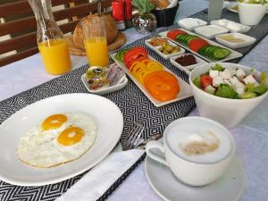 Breakfast options available to guests at Spat Hotel Ashdod