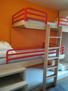 Un ou plusieurs lits superposés dans un hébergement de l'établissement hotelF1 Genève Saint Julien en Genevois