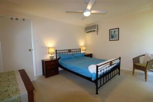 A bed or beds in a room at The Deck, 16 Noogah Terrace,