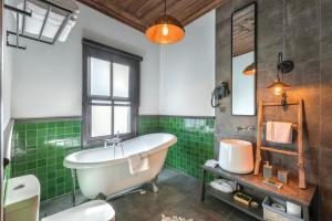 A bathroom at Casa Sur Antalya