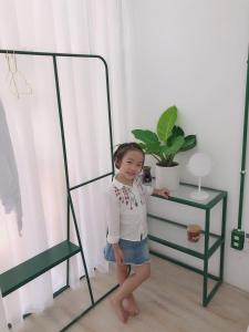 Children staying at Lab House /Apartment