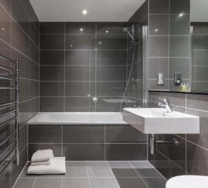 A bathroom at SACO Bristol - Broad Quay