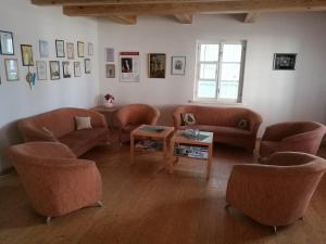 Svetainės erdvė apgyvendinimo įstaigoje Guest House Karaimu 13