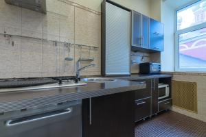 Кухня или мини-кухня в Dream House на Смоленской
