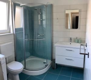 A bathroom at Fine & Shine