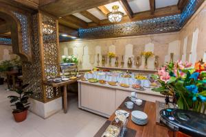 A restaurant or other place to eat at Kukaldosh Boutique Hotel