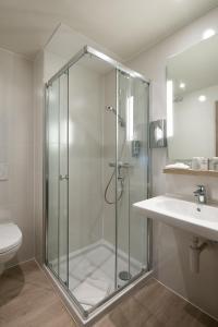 A bathroom at Martin's Brugge