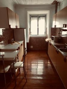 A kitchen or kitchenette at Casa Maranha