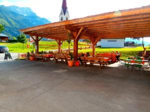 Ein Restaurant oder anderes Speiselokal in der Unterkunft Gasthof zum Löwen