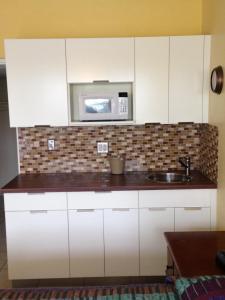 A kitchen or kitchenette at Knights Inn Hallandale