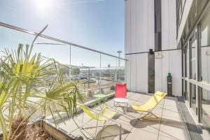A balcony or terrace at ibis Paris Coeur d'Orly Airport