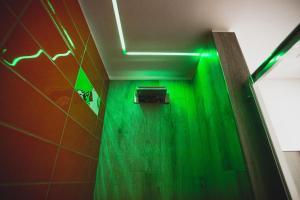 A bathroom at Hotel Fiera Wellness & Spa