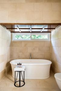 A bathroom at White Villa Tel Aviv Hotel