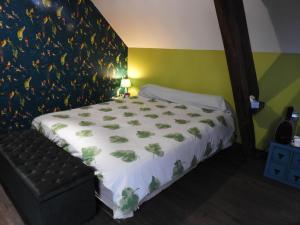 Un ou plusieurs lits dans un hébergement de l'établissement L'écrin du Val de Sambre
