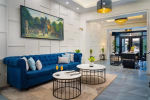 A seating area at Blanc Smith Residence