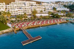Een luchtfoto van Voyage Bodrum Hotel - Adult Only +16