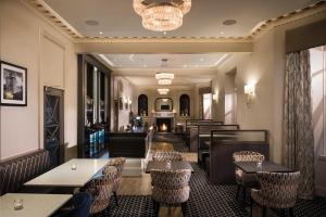 A restaurant or other place to eat at Hetland Hall Hotel