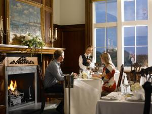 A restaurant or other place to eat at Trump MacLeod House & Lodge, Scotland