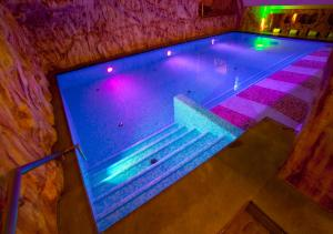 The swimming pool at or near Cima Rosetta Wellness & Spa ***S