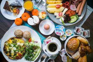 Breakfast options available to guests at Stay Inn Hotel