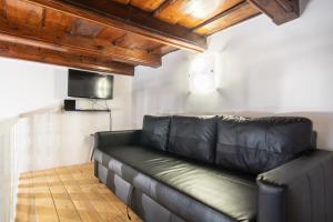 Гостиная зона в Lovely apartment on Mala Strana just 10 mins walk to scenic places