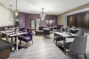 A restaurant or other place to eat at Homewood Suites By Hilton Ottawa Downtown