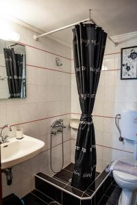 Bagno di Papanestoras Apartments