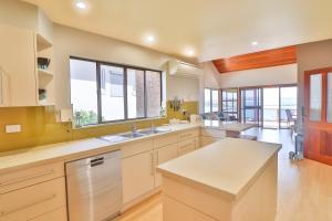 A kitchen or kitchenette at Diamond View
