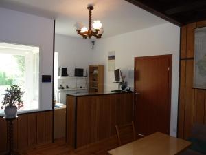 Kuchnia lub aneks kuchenny w obiekcie Hotelik Na Zdrowiu
