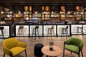 O lounge ou bar de Innside by Melia Paris Charles de Gaulle Airport