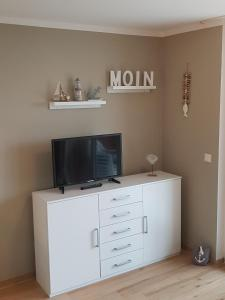A television and/or entertainment center at Haus Horizont