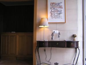 A kitchen or kitchenette at Hotel La Brañina