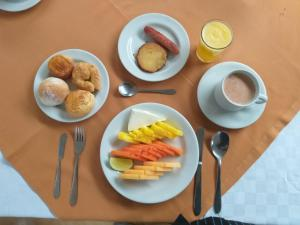 Breakfast options available to guests at Hotel Centro Internacional
