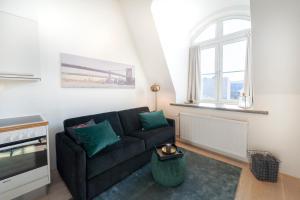 A seating area at Nordic Host - Tollbugata 13