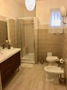 A bathroom at B&B Annetta