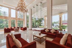 A seating area at Seashell Suites and Villas