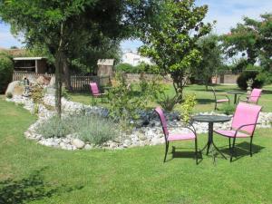 A garden outside Le Logis de Chalons