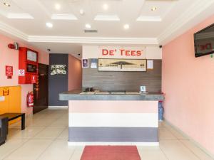 The lobby or reception area at Hotel De' Tees, Masai Utama