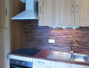 A kitchen or kitchenette at Au 14