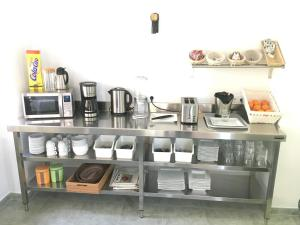 Una cocina o zona de cocina en Somo Surfskate hostel