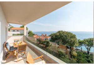 A balcony or terrace at Apartment Mimac