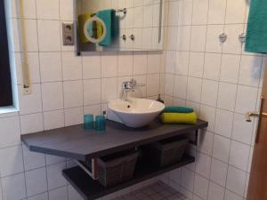 A bathroom at Oerlihome