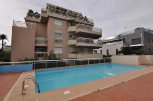 The swimming pool at or close to Gorgeous one-bedroom apartment with terrace and sea view -StayInAntibes- Bijou Plage