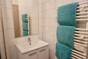 A bathroom at La Maison des Marins