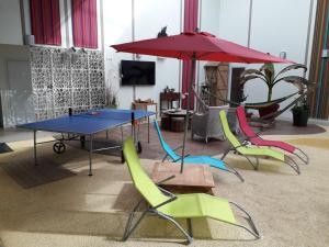 Table tennis facilities at Résidence Beauvoir le Mont-Saint-Michel (9 gîtes de 2 à 5 personnes) or nearby