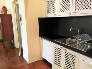Una cocina o zona de cocina en Cerretani 4 Duomo Guesthouse - My Extra Home