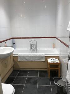 A bathroom at Brant House
