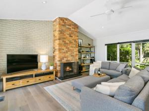 A seating area at The Palms Holiday House Mt Martha